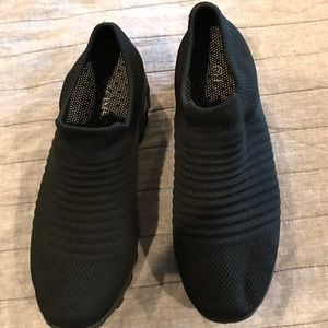 Black stretch sneakers - size 41 - w/air cushion